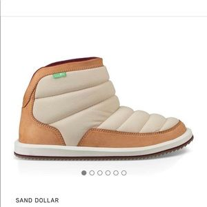 Sanuk puff and chill boot